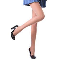 פלטפורמות, שטוחות, צבעוניות, עקבים חדשים.. נעליים אופנתיות קיץ 2012